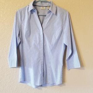 Lee's rider button down blue & white blouse